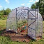 Làm nhà lưới, nhà nilon trồng rau trên sân thượng